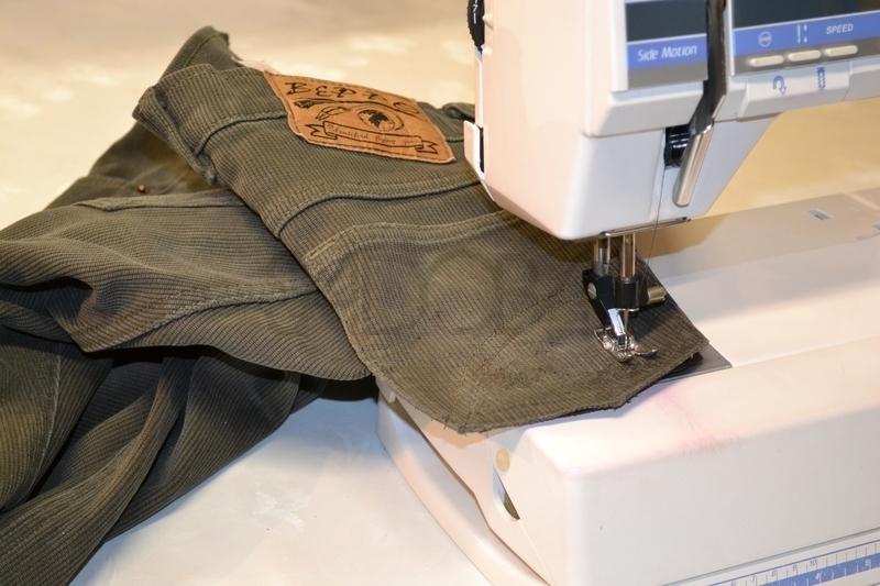 Ako opraviť dieru na nohaviciach?