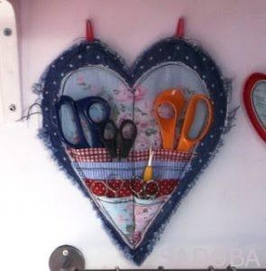 Inšpiratívne šitie: kreatívny držiak na nožnice