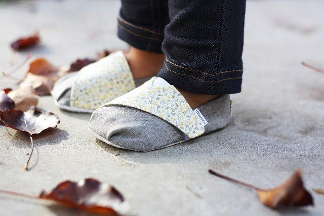 Obliekame do lásky- šitie detských topánočiek